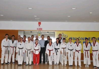 El pasado fin de semana se celebró en Gran Canaria los cursos de arbitraje de kyorugui y de jueces calificadores de pumses. También se realizaron los correspondientes reciclajes